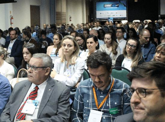 Summit da Associação Catarinense de Medicina promove engajamento nas soluções